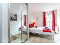 SHORT STAY ACCOMMODATION - modern flat with spa near Heathrow Airport * Sleep 4 * Free Wifi