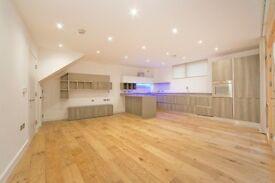 Stunning award winning Architect Mews development, close to Finsbury Park and Arsenal