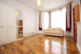 Ground floor modern studio flat located on a quiet Residential street - Finsbury Park N4