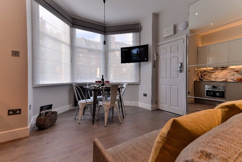 Amazing flat for Short Let - All Bills included - 10'Baker Street - Special Offer