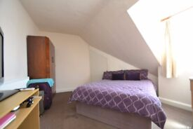 Shared property - Room for rent on Glenfield Road, Leicester