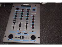 2040 PRO SERIES 2 CHANNEL MIXER CAN BE SEEN WORKING