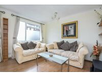 GARRATT - A newly decorated two bedroom ground floor purpose built flat to rent