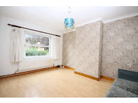 3 bedroom terraced house with private garden, minutes from Woolwich Dockyard station