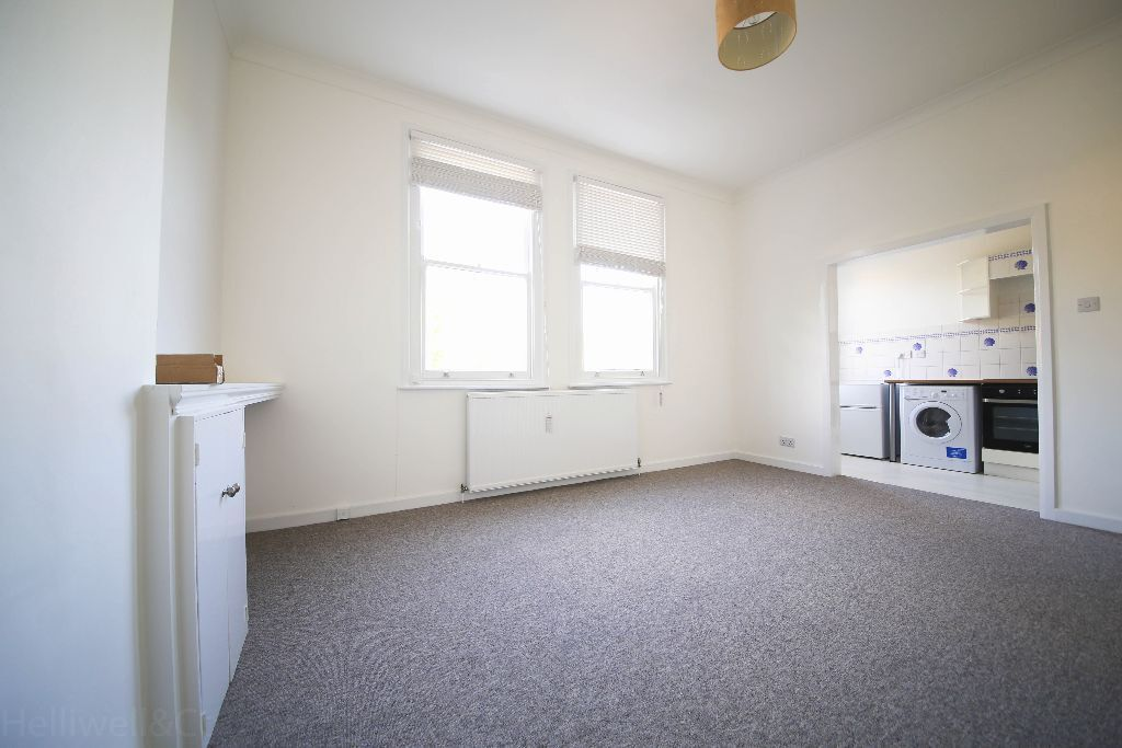 Large Studio Flat in EALING BROADWAY, Separate Kitchen furnished & Available 01st July