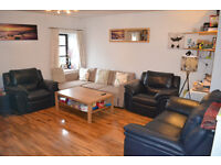 Fully furnished spacious 1 bedroom flat in Glasgow's Merchant City to rent - £600pcm