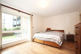 MODERN SPACIOUS ONE BEDROOM APARTMENT IN PRIVATE GATED DEVELOPMENT ACROSS THE ROAD FROM CANARY WHARF