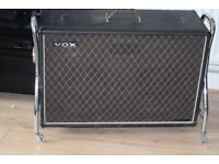 VOX 2X12 SPEAKERS/CARRY HANDEL CAN BE SEEN WORKING