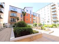 SOUTH WOODFORD E18 - AMAZING 2 BED 2 BATH APARTMENT - BALCONY - PARKING - MINUTES TO TUBE - £346PW