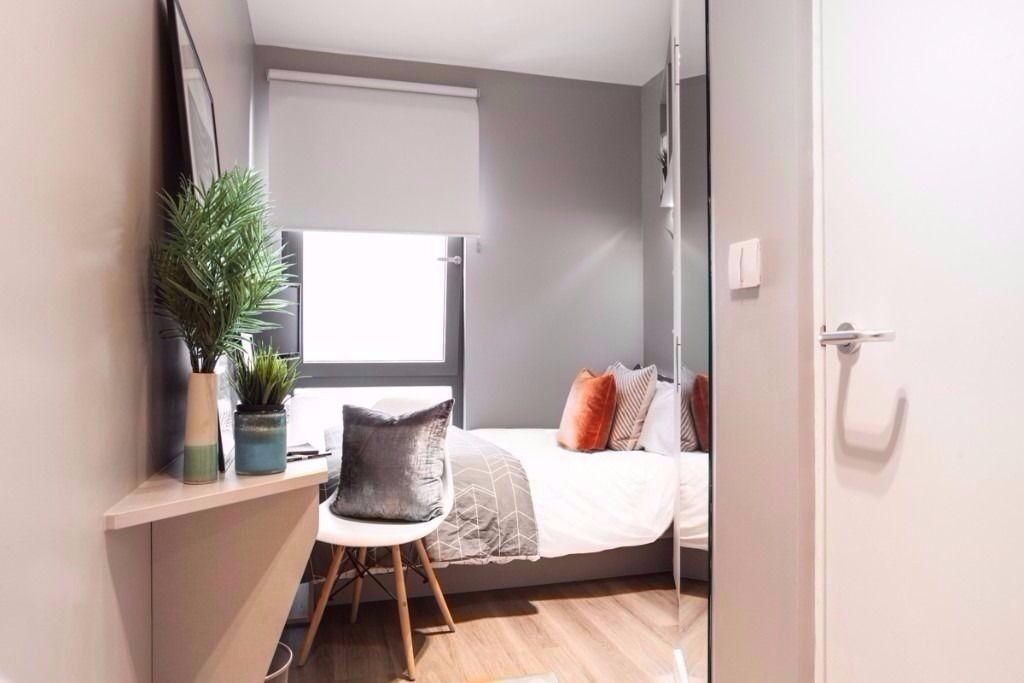 *AMAZING* Studio apartment inc all bills £230pw and free access to gym, cinema & more