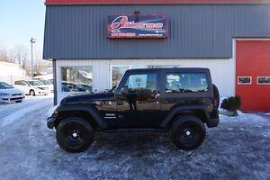 2012 Jeep Wrangler Sport 4WD 6 VITESSES FULL ÉQUIPÉ 43 600 Km !!