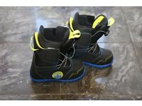 Burton Snowboard Boot - Zipline Boa Kids UK Size 5. Never used, outgrown before a chance to use.