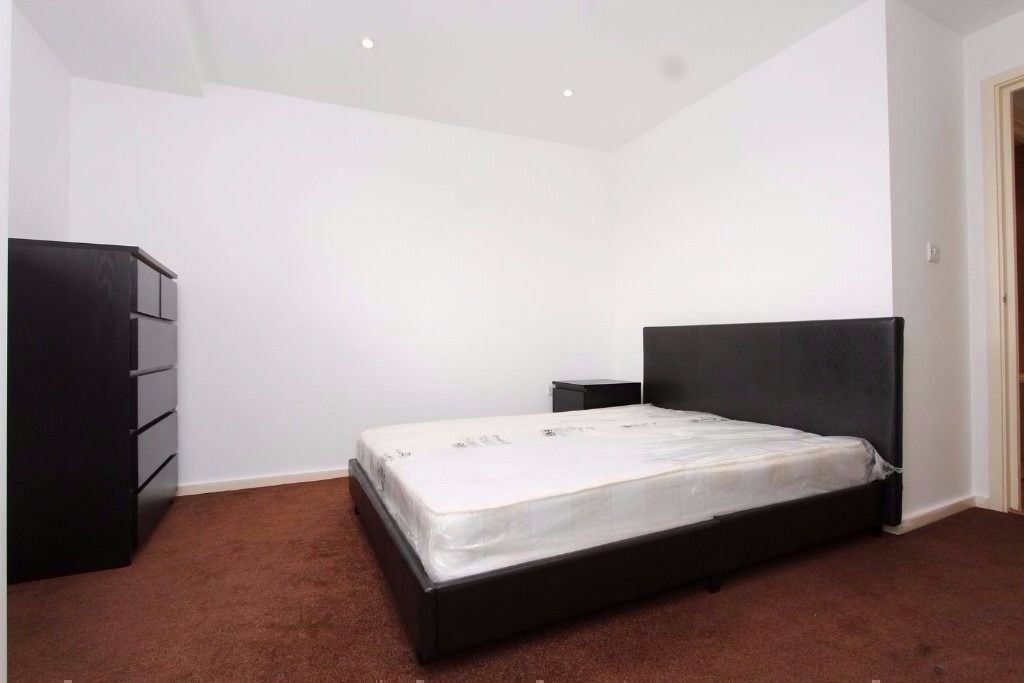 AMAZING DOUBLE ROOM not so far from Victoria Station CALL NOW 07449731834