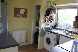 2 Bedroom Flat to rent Warwick Road-NO FEES