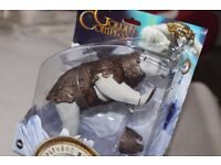 THE GOLDEN COMPASS - LOREK BYRNISON Battling Ice Bear action figure -NEW IN PACK