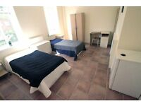 Very spacious Twin Room in nice flatshare, free Wifi, 5 min from Mornington Crescent, Camden, 39C