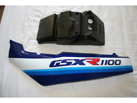 suzuki gsxr 1100L sidepanel and plate holder. genuine suzuki.NEW.