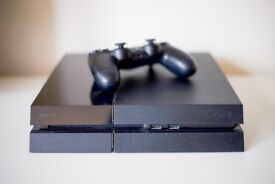 Sony Playstation 4 (PS4 500GB) and 8 games.