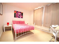 Newly decorated large split level 4 double bedroom flat with no lounge on Deptford high Street.
