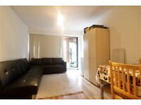 STUNNING ¦ 2 bed 2 bath appt ¦ mins from West Ham & Canning Town Stn E16
