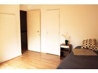 LOVELY TWIN ROOM TO OFFER CLOSE TO THE TUBE STATION CAMDEN TOWN. 28I