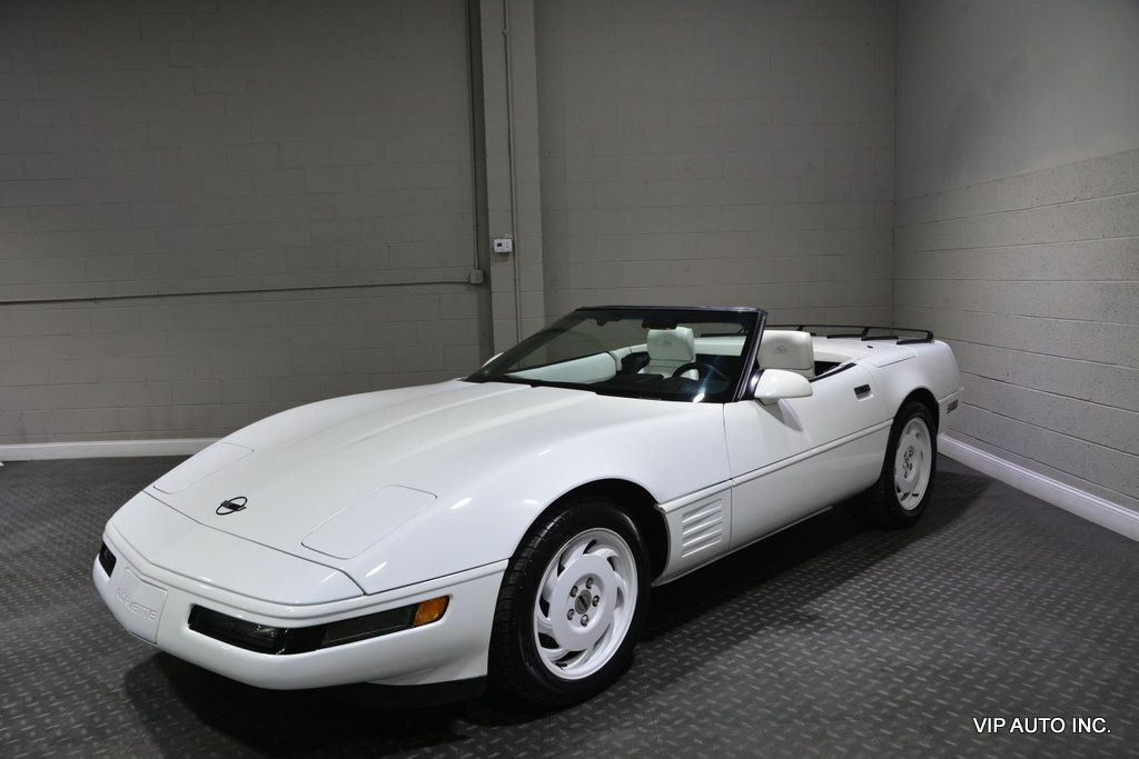 1993 White Chevrolet Corvette Convertible    C4 Corvette Photo 4