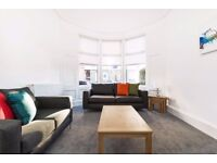 Beautifully bright and spacious newly renovated property to let in G11
