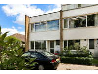 3 bedroom house in Park Road, Kingston Upon Thames, KT2