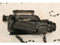 SONY CCD-FX500E VIDEO 8 HANDYCAM RECORDER (FAULTY) WITH ACCESSORIES
