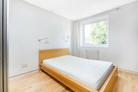 Modern flat just 2 minutes walk from the tube