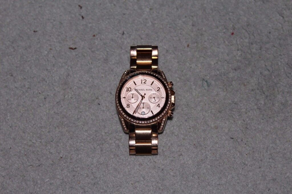 MICHAEL KORS WOMENS WATCH SMALL SIZE COLOR GOLD £120