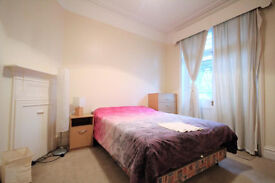 BEAUTIFUL 3 DOUBLE BEDROOM APARTMENT ON LAUDERDALE ROAD - W9
