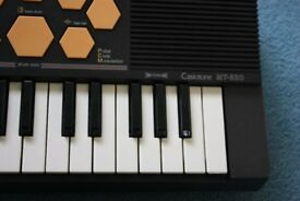 GREAT CONDITION Casio Casiotone MT-520 Electronic Keyboard (MT520): IDEAL STARTER KEYBOARD