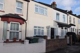 THREE DOUBLE BEDROOM HOUSE LOCATED ON A QUIET RESIDENTIAL ROAD CLOSE TO WOOD STREET STATION