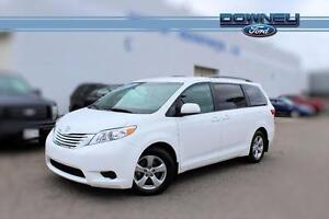 2016 Toyota Sienna LE WOW! ONLY 31000 KMS! BACKUP CAM! 8 PASSENG