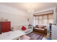 Earlsfield - Beautiful Spacious Home. Two Dbl Bed. Garden. Quiet Location. £100 Agent fee only!