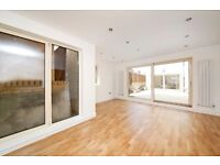 Newly modern 2 bedroom house available now in Plumstead