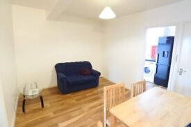 3 bedroom/2 bathroom flat to rent on High Road, Willesden. Near Bus Garage