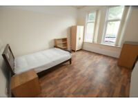 Large Double Bedroom available in 7 bed house-share, close to Sefton Park & Lark Lane. No Deposit