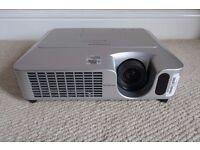 Hitachi CP-X250 Projector