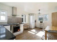 2 bedroom flat in Derwent Grove, London, SE22 (2 bed) (#1136507)