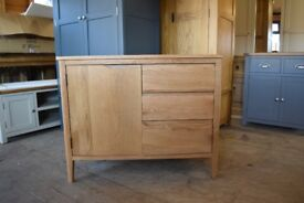 CAMPBELL OAK Small Sideboard