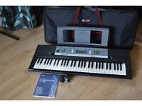 YAMAHA YPT-240 CARRY CASE/61 KEYS/MANUEL/POWER ADPTER/MUSIC HOLDER
