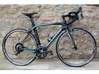 2017 BIANCHI OLTRE XR ULTEGRA FULL CARBON ROAD RACING BIKE. MINT CONDITION. RIDDEN ONCE. COST £3400