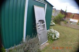 (USED) STAINLESS STEEL DOUBLE DRAINER SINK! inc tap & waste , Ideal for garden ,garage or shed.