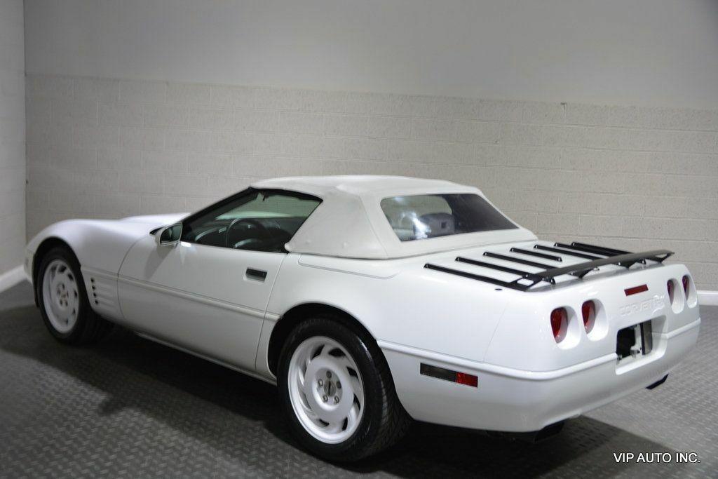 1993 White Chevrolet Corvette Convertible    C4 Corvette Photo 5