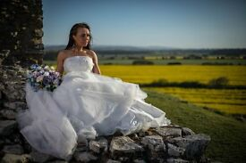 Free Wedding photographer.Risk free! First come first served.
