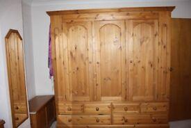 wardrobe solid pine