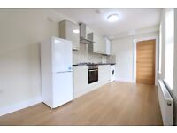 BARKING IG11 - AMAZING RIVERSIDE APARTMENT - LUXURY SPEC - BEST YOU WILL SEE - PARKING - £242PW