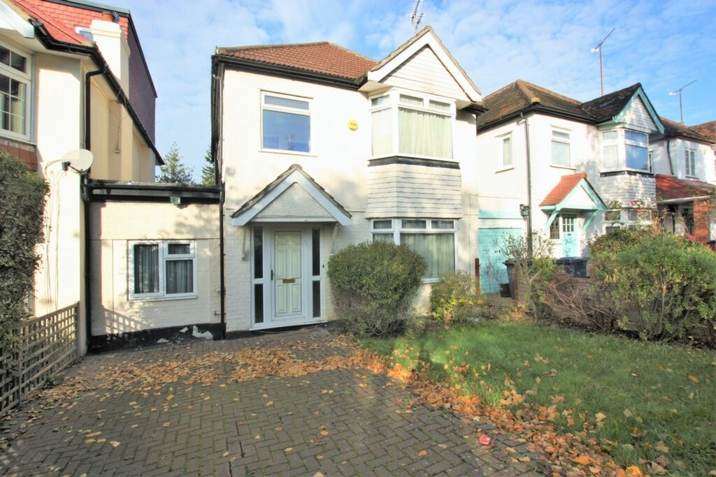 4 bedroom house in Sunny Hill, Hendon, NW4